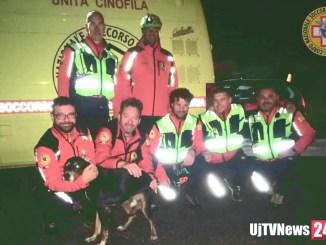 Straordinari soccorritori del Sasu salvano cane bloccato su rocce a Ferentillo