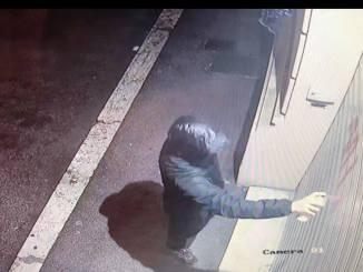 Spray rosso, vandalizzata la sede di CasaPound di Terni, indagini [Foto]