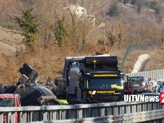 """Riaperta la strada statale 318 """"di Valfabbrica"""" dopo incidente mortale"""