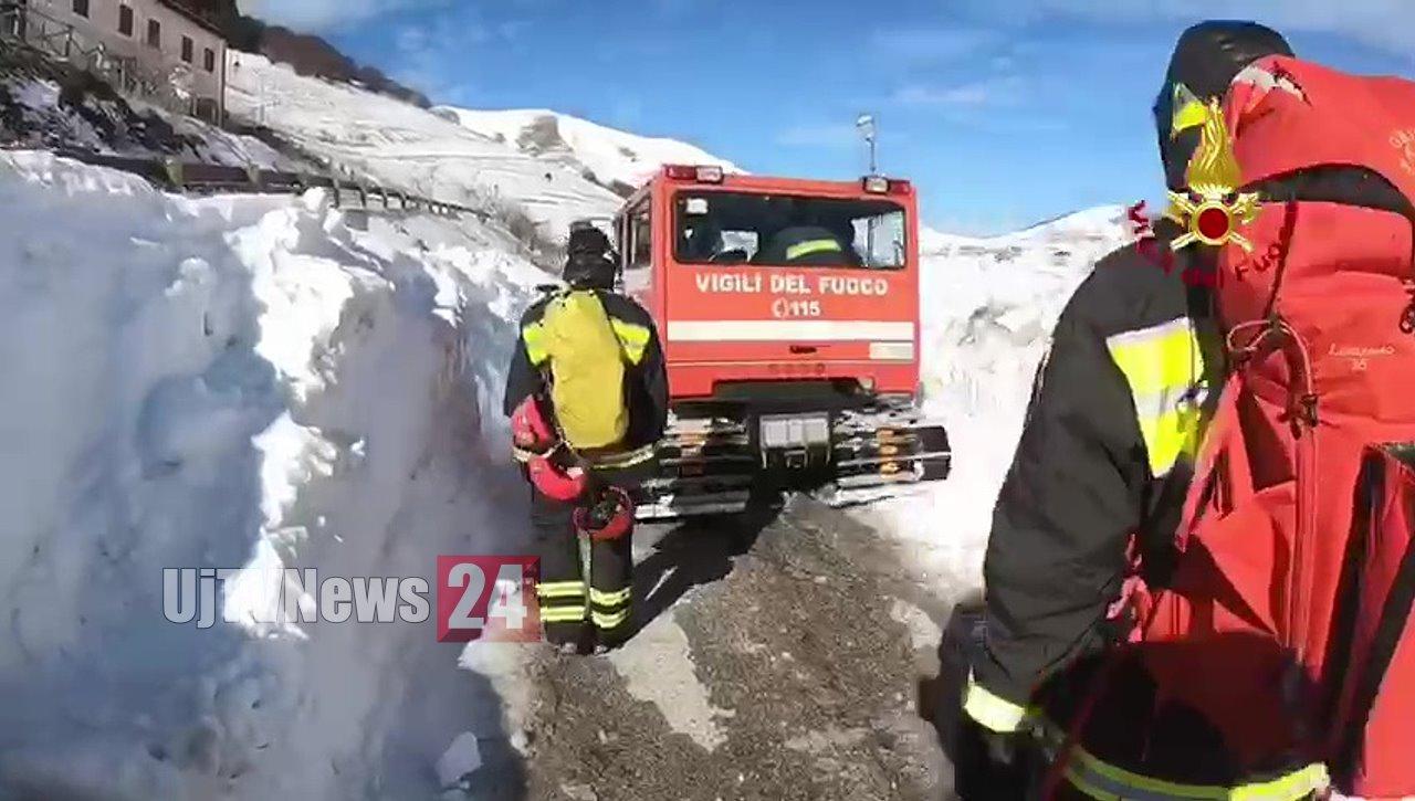 🔴VIDEO🔴 Castelluccio di Norcia Gatto delle Nevi e Vigili del fuoco per esercitazioni