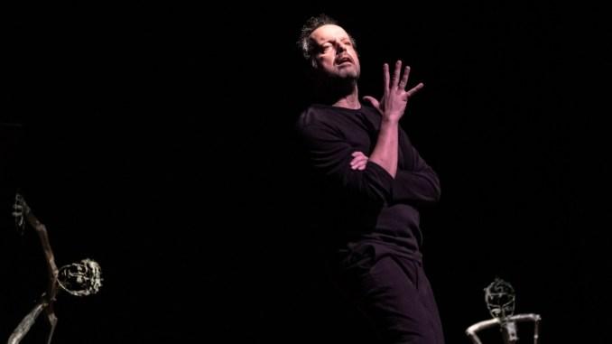 Mario Perrotta al Teatro Secci di Terni, con In nome del Padre