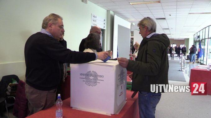Elezioni consiglio provinciale di Perugia e Terni, alle 12 ha votato il 37 per cento