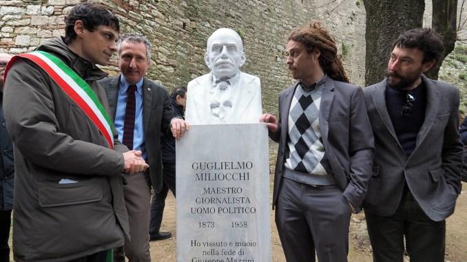 Inaugurazione del busto dedicato a Guglielmo Miliocchi