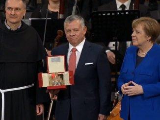 Assisi, consegnata la Lampada della Pace al Re Abdullah di Giordania
