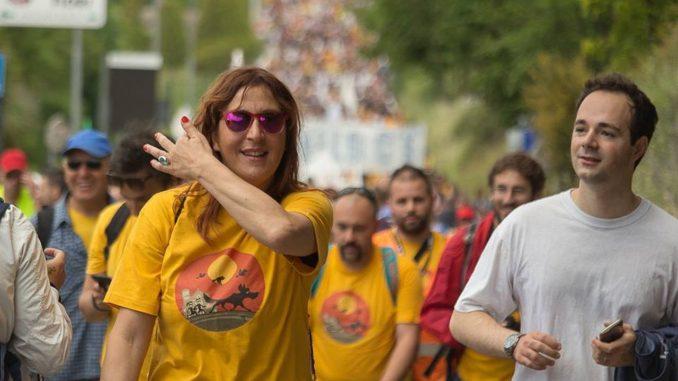 Schiaffi, durante un comizio finale a Foligno, tra militate Pd e M5S