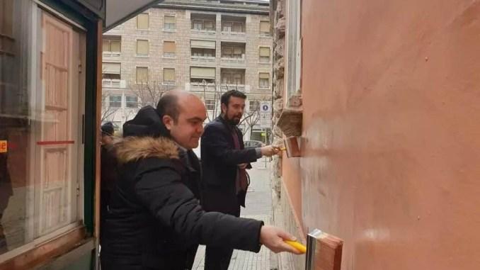 Centrosinistra cancella scritta contro sindaco Lega, Leonardo Latini