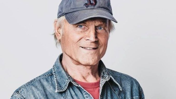 Terence Hill, Don Matteo, compie 80 anni in gran forma