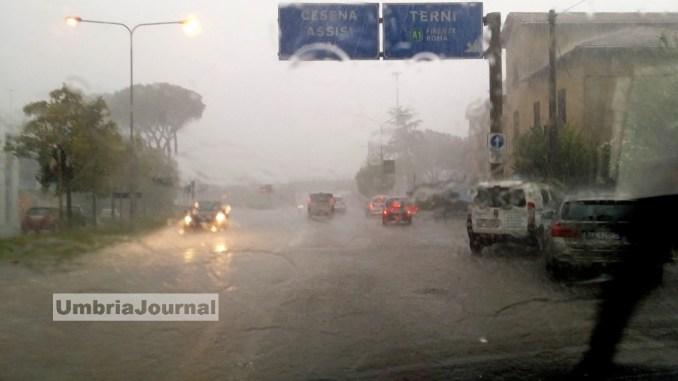 Maltempo Umbria, allerta arancione per rischi idrogeologico, idraulico, vento e temporali