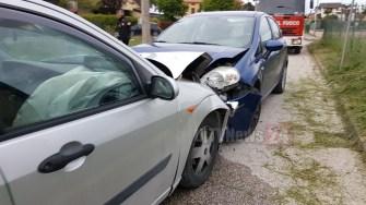 Incidente, scontro frontale a Bastia Umbra, c'è un ragazzo ferito