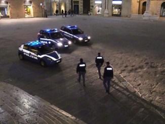 Squadra mobile e polizia Centro storico Perugia, due rimpatri in aereo