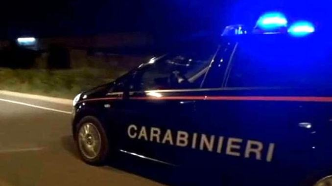 Guida ubriaco e drogato e i Carabinieri lo denunciano