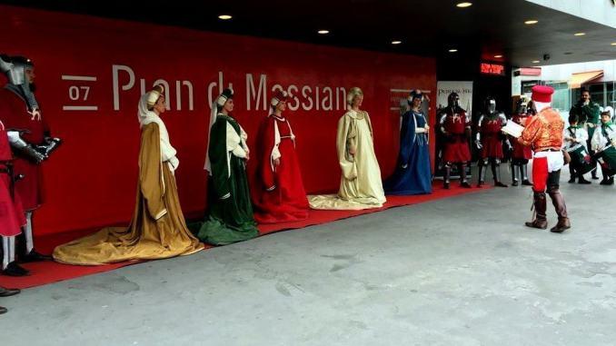 Perugia 1416, 13 giugno, le Prime Dame viaggiano in Minimetrò