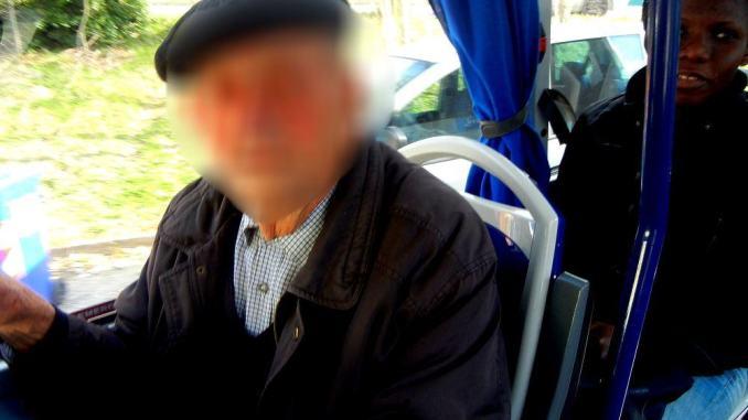 Taglio corse autobus, ma agli anziani in difficoltà ci pensa qualcuno?