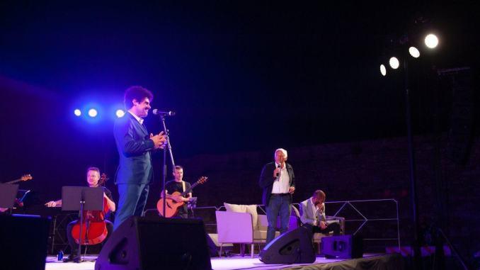 Le canzoni di Lucio Battisti ad Universo Assisi 2019 trionfo di emozioni