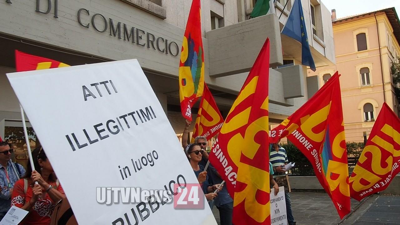 Trattati come azienda privata, licenziati i dipendenti pubblici della Unioncamere Umbria