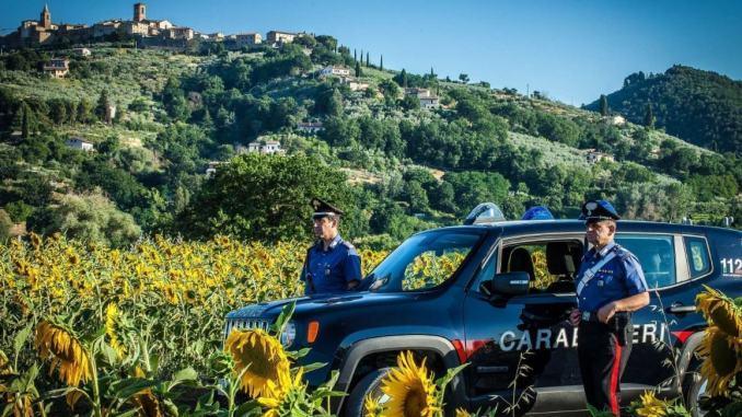 Tolleranza zero per il commercio abusivo Stazione Carabinieri di Bettona