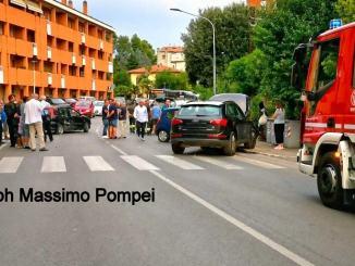 Incidente con tre auto in via Eugubina a Perugia, ferita una ragazza
