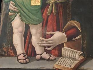 Madonna col bambino, da notare i particolari, i saldali all'infradito