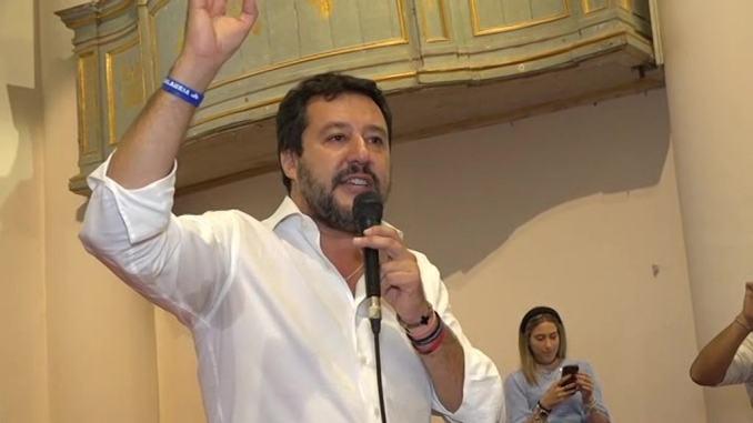Il leader della Lega, Matteo Salvini attacca inciucio Pd-5S