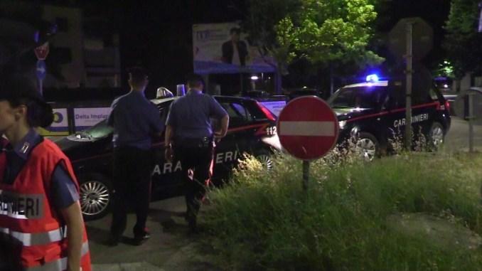 Serata romena al Lido Tevere, donne e uomini si accoltellano, otto feriti, due arresti