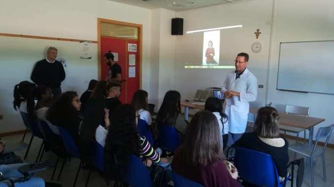 Un Calcio al Fumo Educational, attenzione e curiosità tra gli alunni