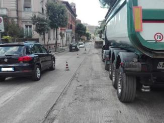 Terni, al via i lavori sul manto stradale di via Lungonera