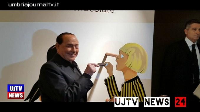Silvio Berlusconi a Eurochocolate in giro per gli stand