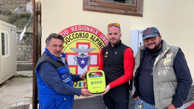 Comunanza Agraria di Castelluccio dona al SASU un defibrillatore