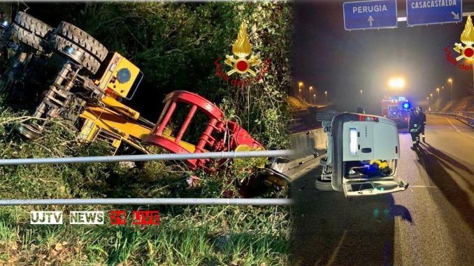 Due incidenti nella notte, auto e mezzo da lavoro si ribaltano, un ferito