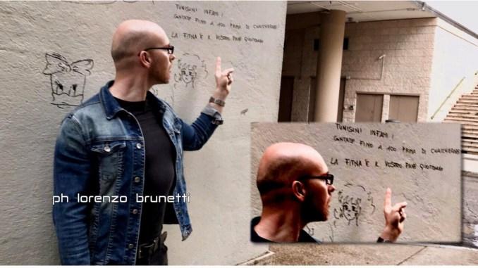 Tunisini infami! Sul parete coworking a Fontivegge, ma ci sono i Manga