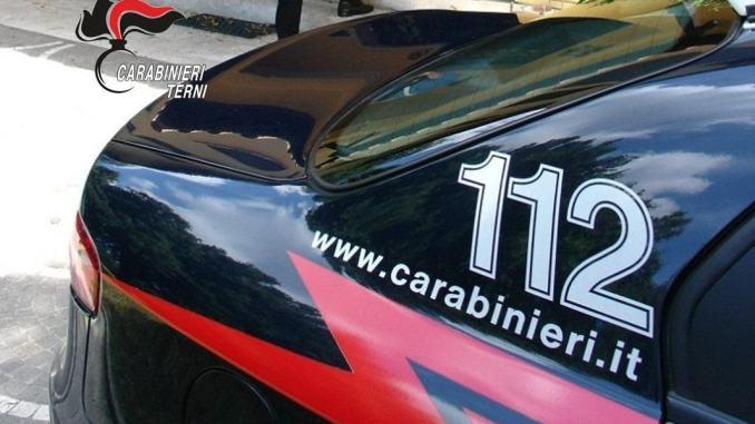 Terni, esibisce documento d'identità contraffatto ai carabinieri, arrestato