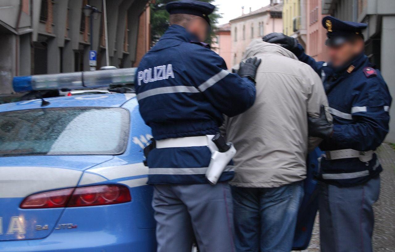 Spacciatore straniero arrestato aveva bel portafoglio clienti vendeva cocaina