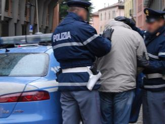 Droga, evasione, resistenza a pubblico ufficiale, arrestato ricercato