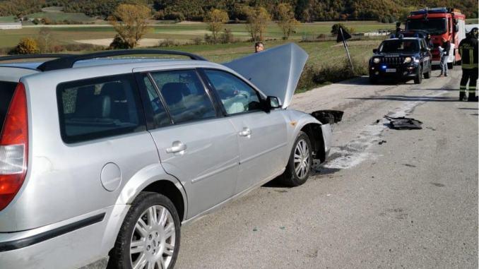Scontro tra due auto ad Annifo di Foligno, ferito in codice rosso