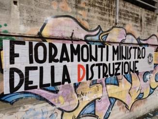 Blocco Studentesco, striscioni Umbria contro il ministro dell'istruzione