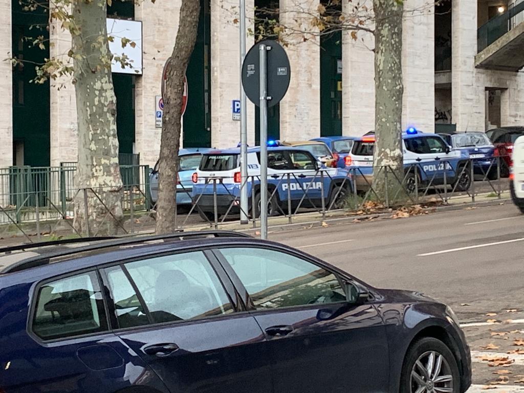 Fontivegge quartiere sotto controllo, reparto prevenzione crimine Polizia in azione