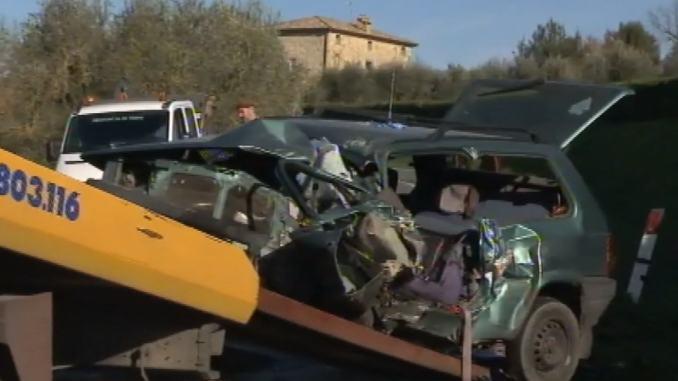 Natale drammatico, scontro frontale, incidente stradale a Orvieto, un morto e due feriti