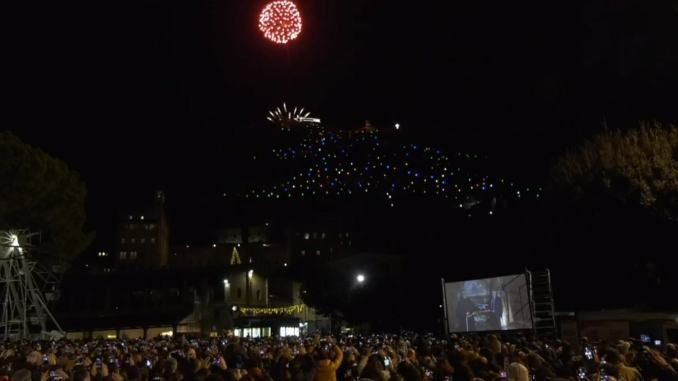 Acceso da Betlemme l'albero di Natale più grande del Mondo