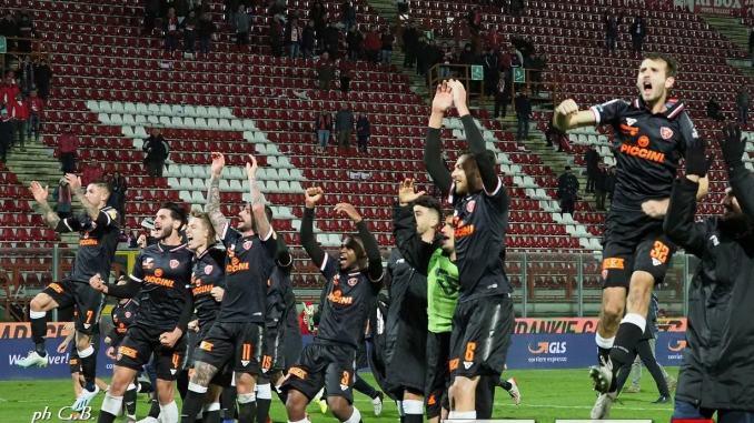 Pescara battuto e il Grifo resuscita con una gara gagliarda 3-1