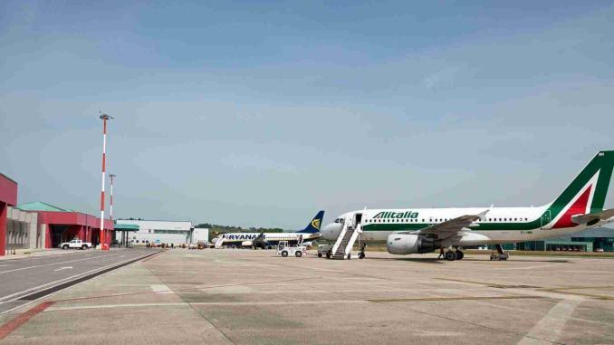 Annullamento atterraggio volo Milano-Perugia, Sase ricostruisce i fatti reali