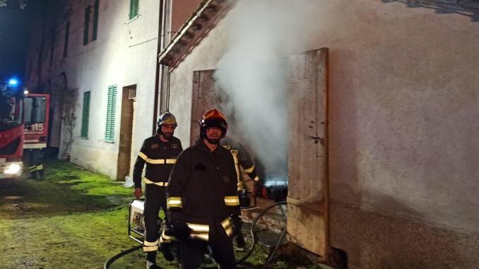Due incendi, uno in serata e l'altro nella notte, nel Perugino, nessun ferito