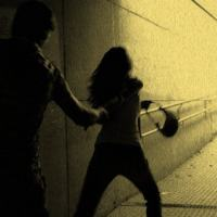 La voleva violentare, scappa via e trova la luce della sua salvezza