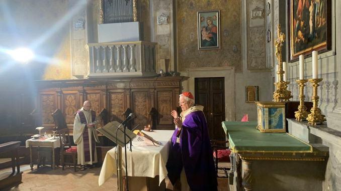 Celebrata dal cardinale Bassetti la messa domenicale in diretta tv, radio e social media