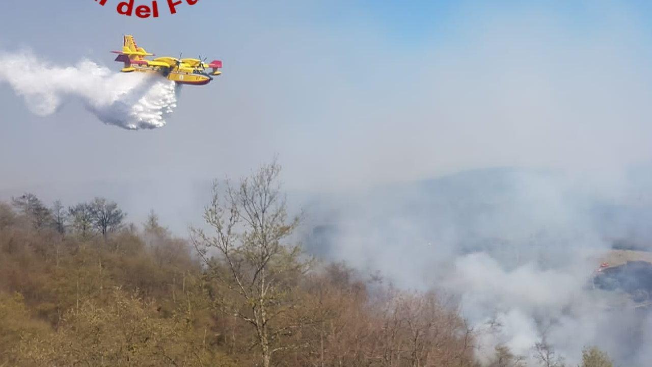 Incendiò un bosco a Spoleto, dopo sette anni arriva la condanna