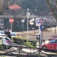 Carabinieri picchiati da uno straniero a Fontivegge, ecco com'è andata 🔴VIDEO