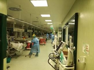Coronavirus in Italia, il 4 aprile calano ricoverati in terapia intensiva, meno 74
