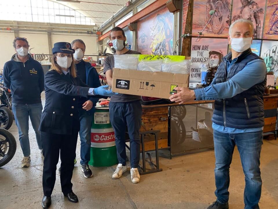 Donate 300 mascherine alla polizia locale di perugia da Entrophy