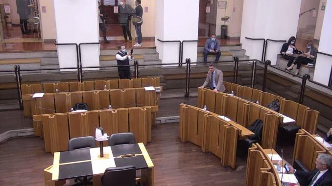 Consiglieri lasciano aula in Consiglio Regionale e chiedono incontro col Prefetto