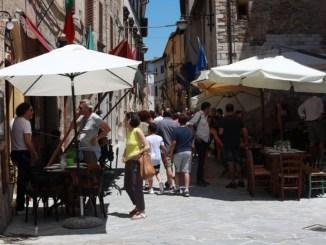 """Il turismo a Bevagna riparte, con """"Bevagna ristoranti e bellezze a cielo aperto"""""""