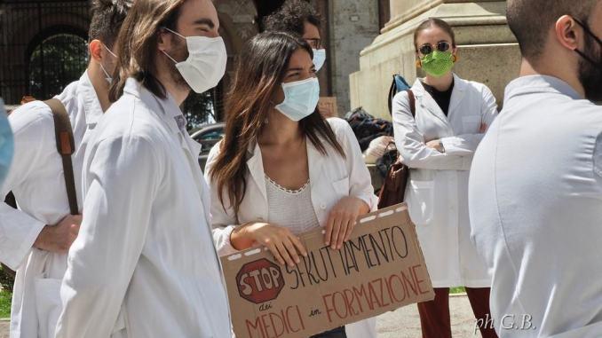 Medici specializzandi protestano in piazza, servono più Borse di Medicina Generale